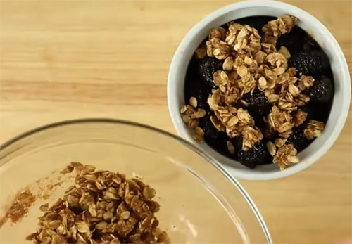 Blackberry Crumble Healthy Breakfast Recipe6